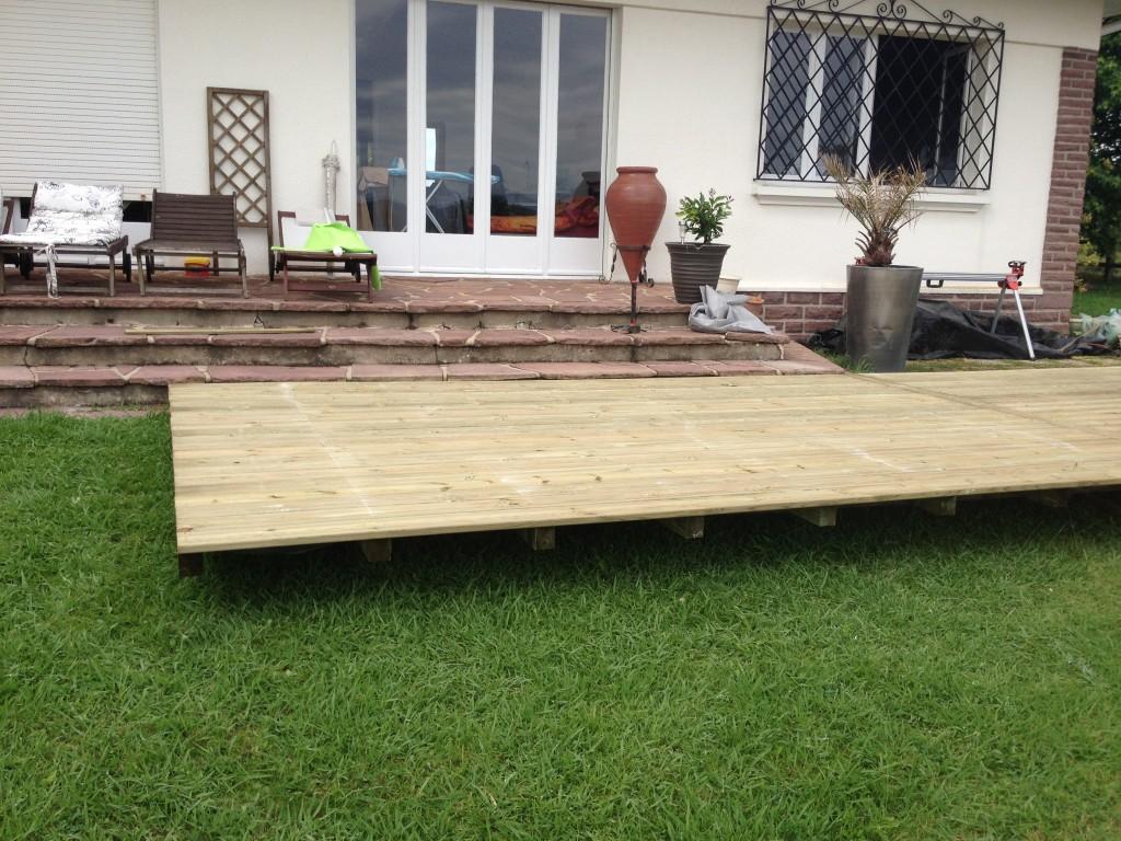 terrasse en pin sylvestre mouguerre 64. Black Bedroom Furniture Sets. Home Design Ideas