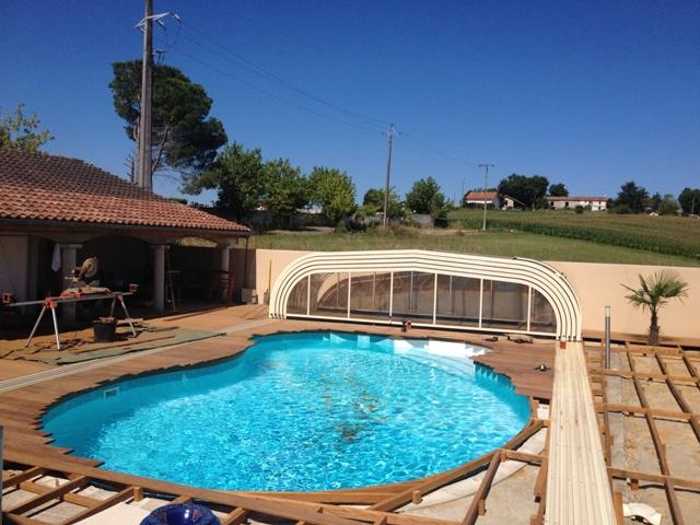 Terrasse en ipe geaune 40 piscine forme libre for Piscine forme libre