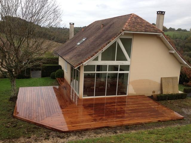 terrasse en bois exotique orthez 64 terrasse en merbau paysabois bois terrasse landes. Black Bedroom Furniture Sets. Home Design Ideas