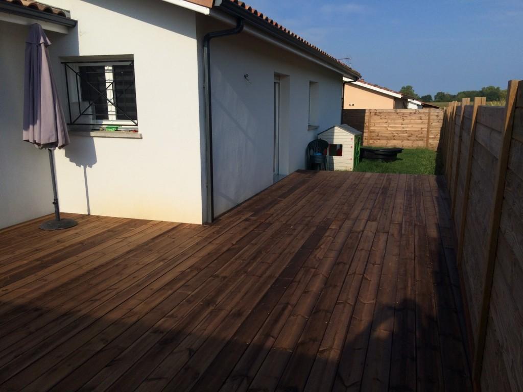Terrasse en pin sylvestre st martin de hinx 40 maison for Amenagement jardin maison neuve