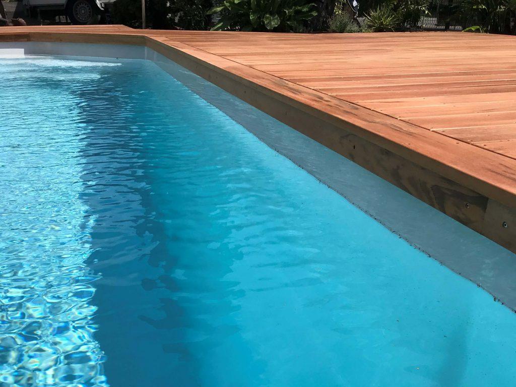 entourage terrasse en bois pour piscine dans le département 40